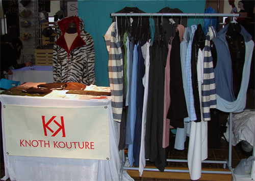 Knoth Kouture Stand